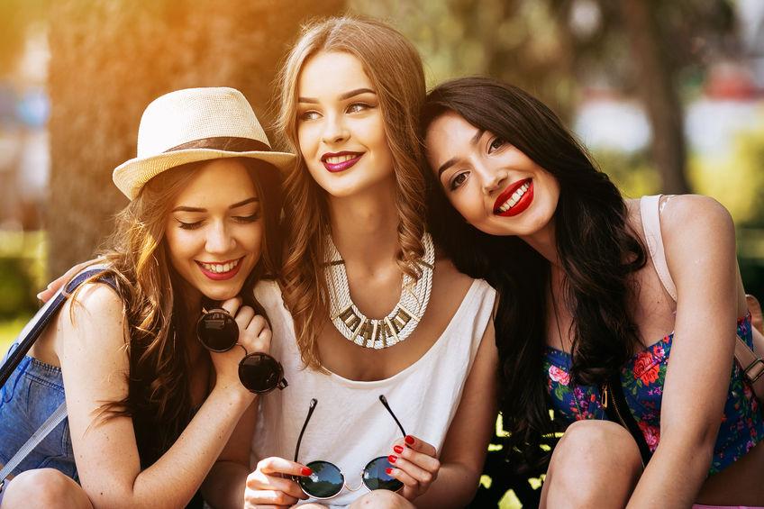 A Mirage fashion ruhái éppen olyan sokoldalúak, mint Ön!